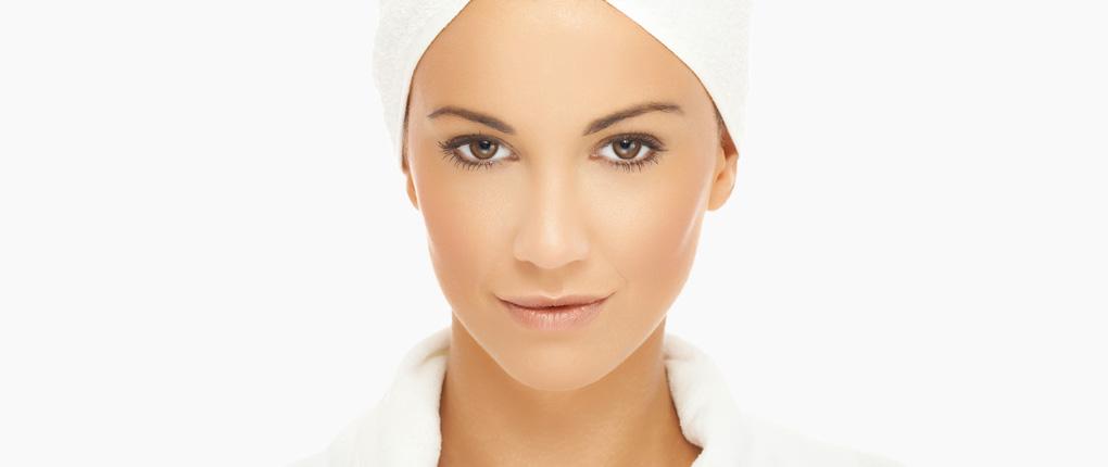 Kosmetikinstitut Derma One in der Wiesbadener Innenstadt. Ästhetisch-korrektive Maßnahmen für ein jugendliches Aussehen und eine schöne, gesunde Haut bei Ihrem Hautzentrum Derma One in Wiesbaden.